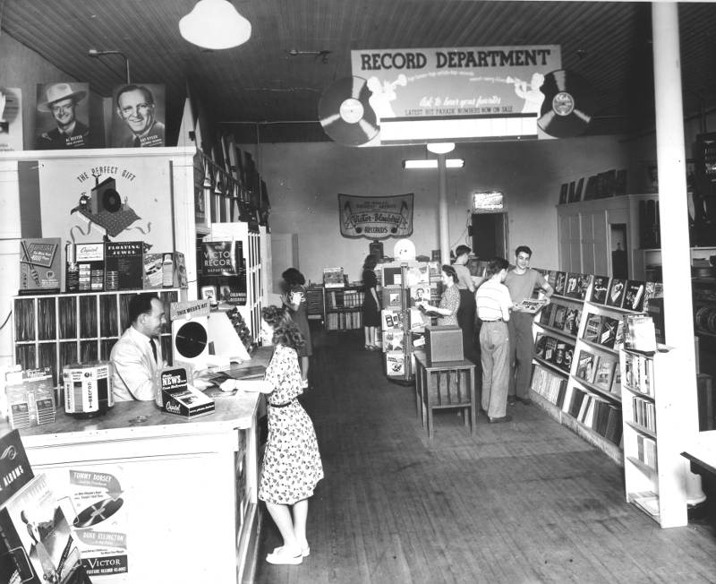 circa 1945 picture of Hoover Music interior